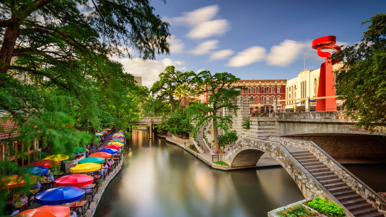 Let S Fly To Texas San Antonio History And Cultural Tour